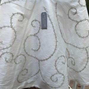 LUXURY JEWELED BEADED SEQUIN SILVER Tree Skirt